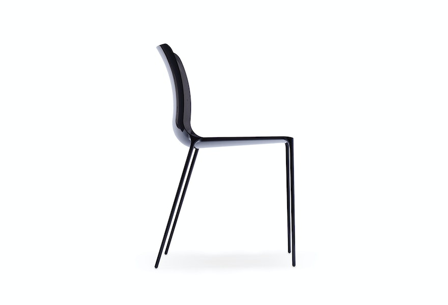 SURFACE CHAIR 1911 T Woodgate and J Barnard c2009 Establishedand Sons c Peter Guenzel White Background 01 72dpi